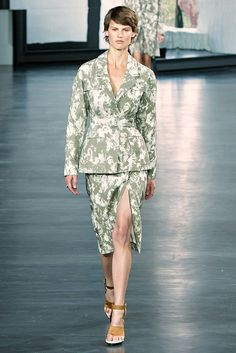 Jason Wu Spring 2015 Ready-to-Wear Collection Photos - Vogue
