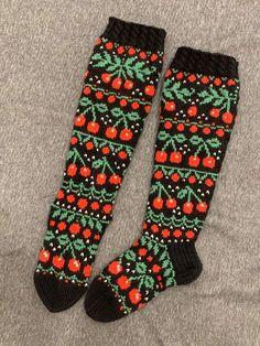 Crochet Socks, Knit Socks, Knit Mittens, Knitting Socks, Sock Shoes, Knitting Projects, Shawl, Cross Stitch, Slippers