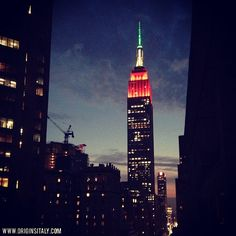 The Empire State Building #NYC lit with Italian colors. Happy 10th Anniversary to the National Italian American Foundation! ORIGINS ITALY www.originsitaly.com #originsitaly #italy #italia #italian #italianamerican #italianpride #niaf #newyork #littleitaly #genealogy #genealogia #familyhistory #heritage #history #culture #tricolore #instanyc #roots #ancestry #origins #panorama #cityscape #city #sunset #niaf