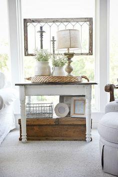 Cozy cottage farmhouse sunroom - Maison blanche chalkpaint farmhouse side table…