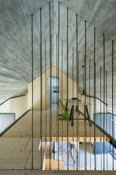 Compact Karst House / dekleva gregorič arhitekti