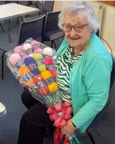Ya minnoşum çok tatlısın 😍 . . . . . #crochet #crocheting #crossstitch #k navice #crochetblanket #knitting #knittersofinstagram #knitters… - Love Yarn