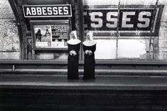 Janol Apin vous propose une vision insolite du métro de Paris au travers d'une série de 120 photos où se côtoient humour et imagination Métropolisson | Janol Apin Photographe