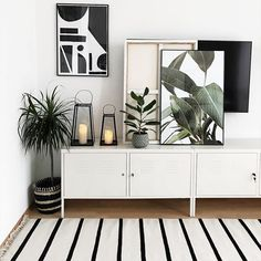 Living with plants - Wohnen mit Pflanzen // Urban Jungle and Botanical Interior - Design RatBalcony Plants tan Furniture Living Room Interior, Living Room Decor, Bedroom Decor, Interior Livingroom, Diy Interior, Style At Home, Home Fashion, Home And Living, Interior Inspiration