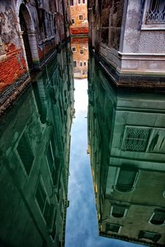 """Venice, Italy // Photo: """"Vertigo"""" by Hubert Descamps, via Italy Vacation, Italy Travel, Croquis Architecture, Places To Travel, Places To See, Voyager C'est Vivre, In Loco, Living In Italy, Italy Art"""
