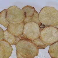 Ψητές πατάτες λαδολέμονο στη στιγμή χωρίς ταψιά και μπελάδες. 👍 Snack Recipes, Snacks, Chips, Food, Snack Mix Recipes, Appetizer Recipes, Appetizers, Potato Chip, Essen