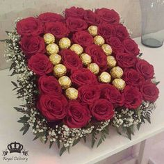 Special chocolate's for my bae Home Flowers, Beautiful Rose Flowers, Diy Flowers, Wedding Gift Wrapping, Creative Gift Wrapping, Wedding Gifts, Valentines Flowers, Valentines Diy, Candy Bouquet