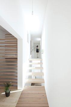 Katsutoshi Sasaki + Associates : House in Yamanote - ArchiDesignClub by MUUUZ - Architecture & Design
