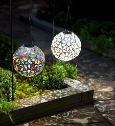 Our Hanging Solar Jewel Ball is a dazzling accent that will become the crown jewel of your yard and garden. Our exclusive design has uncommon style and casts a unique pattern of light. Solar Garden Lanterns, Solar Pathway Lights, Solar Lights, Hanging Lights, Outdoor Lantern, Best Outdoor Lighting, Patio Lighting, Unique Lighting, Lighting Ideas