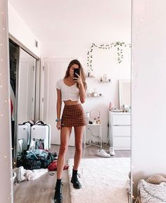 trendy outfits for 40 year old woman Teen Fashion, Fashion Outfits, City Outfits, Mode Vintage, Teenager Outfits, Mode Inspiration, Cute Casual Outfits, Spring Outfits, Summer Outfit