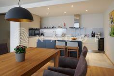 Kuchyně s akrylátovými dvířky od NADOPu z Ořechova. Acrylic Colors, Table, Furniture, Home Decor, Decoration Home, Room Decor, Tables, Home Furnishings, Home Interior Design