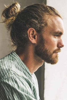 22 Awesome Examples of Short Sides, Long Top Haircuts for Men - Style My Hairs Man Bun Haircut, Man Bun Hairstyles, Boys Long Hairstyles, Man Hair Bun, Cute Long Haircuts, Top Haircuts For Men, Hair And Beard Styles, Curly Hair Styles, Mens Long Hair Styles