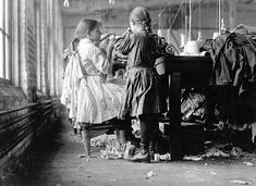History in Photos: Lewis Hine - Mill Workers