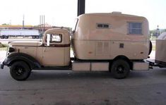 Net Open Roads Forum: Photo Thread - Post a Photo of Your Truck Camper Here Truck Camper, Tiny Camper, Camper Caravan, Airstream Campers, Old Campers, Retro Campers, Vintage Campers, Vintage Motorhome, Classic Campers