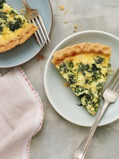 Spinach and Gruyere quiche. This quiche, with heavy cream and Gruyère, is insanely rich and delicious. It's a perfect choice for brunch. Brunch Recipes, Breakfast Recipes, Dinner Recipes, Brunch Ideas, Breakfast Time, Catering Recipes, Breakfast Quiche, Paleo Breakfast, Breakfast Dishes