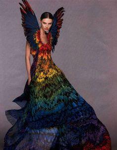 Alexander McQueen  www.fashion.net