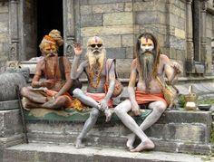 """India  """"Sadhus"""" - homens santos da religião hindu - Templo de Madurai."""