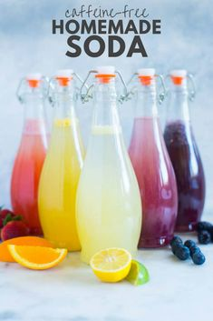 Discover my 5 favorite easy Caffeine-free homemade soda recipes, made from fresh fruit and without any refined sugar. The perfect soda replacement for a healthy lifestyle! Miranda Lawson, Machine Sport, Non Alcoholic Drinks, Beverages, Cocktails, Soda Stream Recipes, Healthy Drinks, Healthy Recipes, Healthy Food