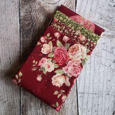 Patchworkový balíček látek Růže velké tm. vínové Floral Tie, Fashion, Scrappy Quilts, Moda, Fashion Styles, Fashion Illustrations