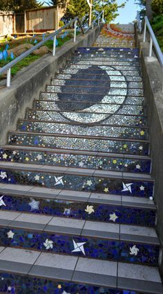 Trippy stairs in San Francisco. Check out the 5 best ways to spend a day in the city at TheCultureTrip.com. Click on the image to see them all! (http://www.sftourismtips.com/hidden-gems-in-san-francisco.html)