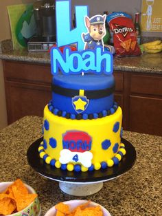 Paw Patrol My son asked me for a Paw Patrol themed cake for his birthday. I took inspiration from his invitations and his favorite. 4th Birthday Cakes, Birthday Brunch, Boy Birthday Parties, Birthday Ideas, Cupcakes, Cupcake Cakes, Kid Cakes, Paw Patrol Chase Cake, Noah Noah