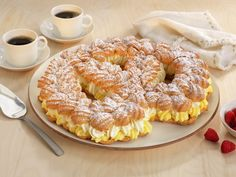 Waleskringle - MatPrat Sarah Bernard, Croquembouche, Recipe Boards, Eclairs, Bagel, Eat Cake, Doughnut, Cake Recipes, Goodies