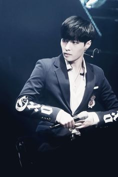 "Exo - Lay ""Just take it off"""