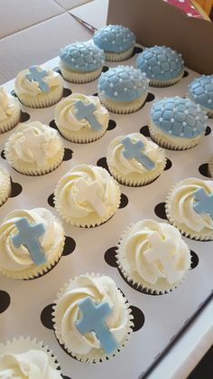 Christening Cookies, Baptism Cupcakes, Baby Boy Christening, Baptism Favors, Baptism Ideas, Baptism Party Decorations, First Holy Communion Cake, Baptisms, Birthday