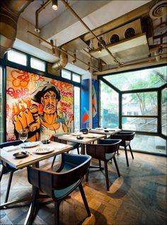 Картина на стене ресторана