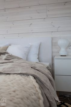 Log Houses, Wooden Houses, Bedroom Wall, Master Bedroom, Room Interior, Interior Design, Home Decor Inspiration, My Room, Bedtime