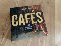 Boek review: Cafés, 250 topadressen in Nederland Tech Companies, Company Logo, Beer