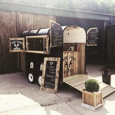 The Pink heifer Horse box bar hire offers a bespoke mobile bar hire service for weddings and events across the North East and UK