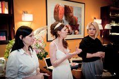 A gerente da Paradis, Juliana Salmon, a blogueira Manoela Cesar e a decoradora Ana Hoffmann abriram o encontro em uma conversa informal com as noivas #paradis #colherdechanoivas #manoelacesar #anahoffmann #rafaelportofotografiasocial