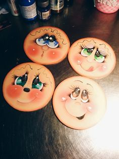 Ojos pintados 2 Eye Painting, Painting For Kids, Fabric Painting, Easy Yarn Crafts, Crafts To Make, Christmas Countdown, Drawing Cartoon Faces, Doll Face Paint, Man Crafts