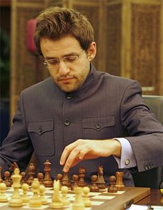 No Levon Aronian - 2774 Magnus Carlsen, Chess Books, Logic Games, Chess Players, Figure Photography, Chess Pieces, Number Two