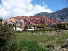 En la provincia de Jujuy se encuentra la Quebrada de Humahuaca, es una de las bellezas de Argentina, con paisajes increíbles, y rica en patrimonio cultural. Esta compuesta por Barcena, Volcan, Purmamarca, Maimará, Tilcara,Perchel, Huacalera, Uquía, Humahuaca y Tres Cruces. http://www.femeninas.com/Estas_vacaciones_viaja_a_Jujuy,_Quebrada_de_Humahuaca