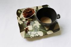 Kaori Tatebayashi Paint Your Own Pottery, Child Love, Pictures Images, Airplane, Tea Time, Affair, Sheep, Cups, Happiness