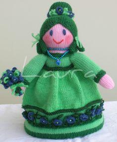 Una bella bambolina in verde per il..bagno....per vedere altri modelli di bambole....visitate la mia pagina facebook....le indicazioni le trovate nella cartella chiamata...Laura