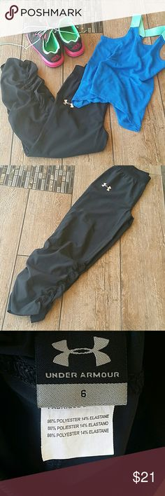 NWOT UNDER ARMOUR PANTS Girls black Under Armour pants Never worn, nor washed Cinched at ankle 86% polyester 14% elastane No rips, stains or defects Smoke free home Under Armour Bottoms Sweatpants & Joggers