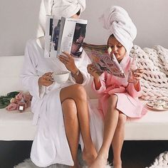 mother and daughter, mum and daughter, spa, bonding ideas Mother Daughter Photos, Mother Daughter Photography, Mother Daughter Fashion, Cute Family, Baby Family, Family Goals, Family Life, Baby Kind, Mom And Baby