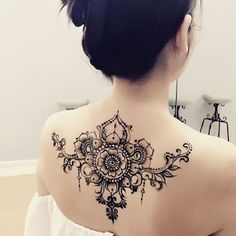 Henna Tattoo Back, Back Henna, Henna Body Art, Lace Tattoo, Mehndi Tattoo, Henna Mehndi, Henna Art, Body Art Tattoos, Henna Neck