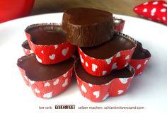 Eiskonfekt low carb Ein kühler und zart schmelzender Traum aus Schokolade, Kokos und Vanille… der sollte in keinem Kühlschrank fehlen. Meine Lust auf Süßes oder Schokolade stille ich …