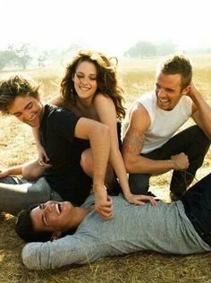 Fun photo shoot for some of The Twilight Saga cast