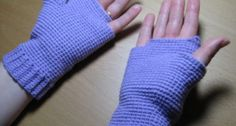 How to make your own gloves, mittens, fingerless gloves, wrist warmers, arm warmers etc Fingerless Gloves Crochet Pattern, Fingerless Gloves Knitted, Mittens Pattern, Crochet Arm Warmers, Wrist Warmers, Hand Warmers, Crochet Yarn, Crochet Stitches, Crochet Patterns