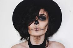 Only 13 days until Halloween 🎃 do you know what you're going to be? Let us know in the comments below, and check out this cool skull makeup… Soirée Halloween, Days Until Halloween, Halloween Inspo, Halloween Makeup Looks, Couple Halloween, Halloween Cosplay, Halloween Skull Makeup, Vintage Halloween, Skull Face Makeup