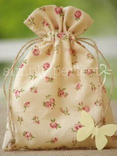 ΚΩΔ P007 Christening Favors, Baptism Favors, Vintage Baptism, Animal Bag, Burlap Bags, Fabric Gift Bags, Lavender Bags, Creative Gift Wrapping, Party Favor Bags