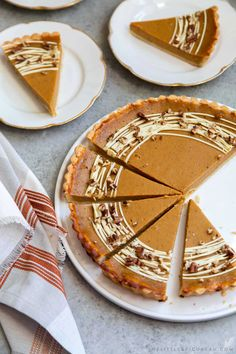 This easy pumpkin tart features a buttery shortbread crust. The one bowl pumpkin filling is a breeze to make. It is decorated with melted white chocolate. Pumpkin Tarts, Pumpkin Pie Mix, Pumpkin Spice Syrup, Pumpkin Dessert, Pumpkin Cheesecake, Thanksgiving Desserts Easy, Great Desserts, Fall Desserts, Dessert Recipes