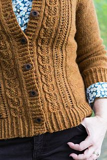 Acorn Trail cardigan by Amy Herzog knit in a Aran, bottom-up and seamed. Hand Knitting, Knitting Patterns, Knitting Sweaters, Knitting Projects, Sewing Aprons, Purl Stitch, Poncho Sweater, Needle And Thread, Lana