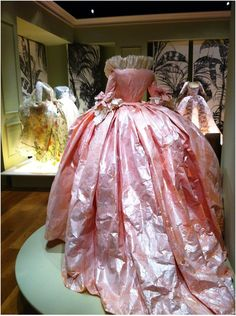 ℘ Paper Dress Prettiness ℘ art dress made of paper - Marie Antoinette dress, back -- made from paper by Isabella de Borchgrave