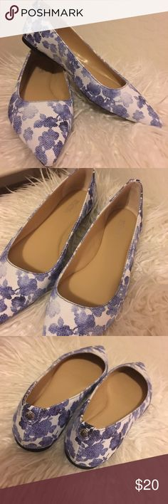 Blue floral Michael Kors flats SZ 6 Like new condition on the gorgeous blue floral Michael Kors flats! Size 6. MICHAEL Michael Kors Shoes Flats & Loafers